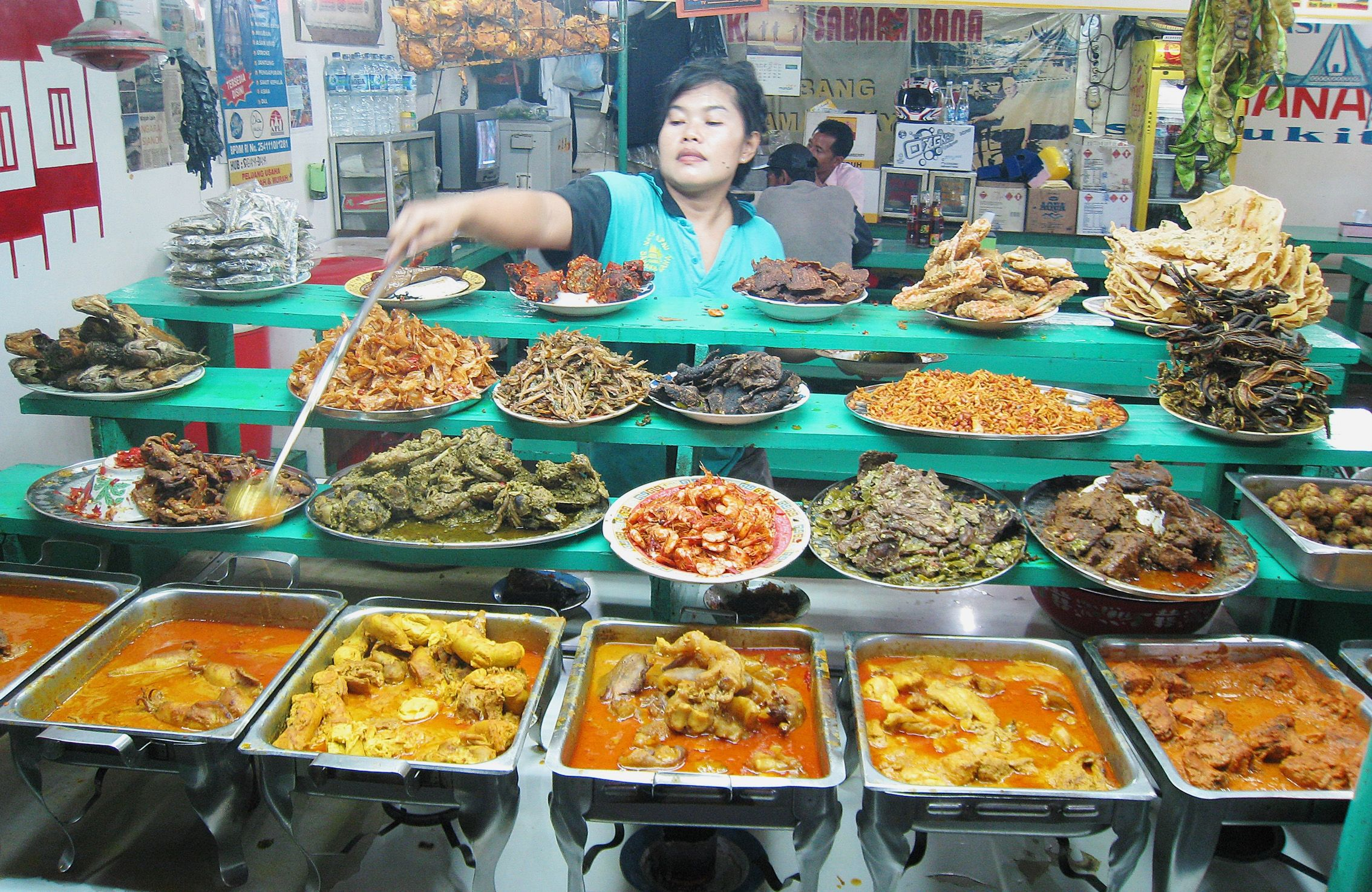 Indonesia Food Information On Our Site Https Storelatina Com Indonesia Recipes 공화국 Yndoneezje Indonezh Asian Street Food Indonesian Cuisine Street Food