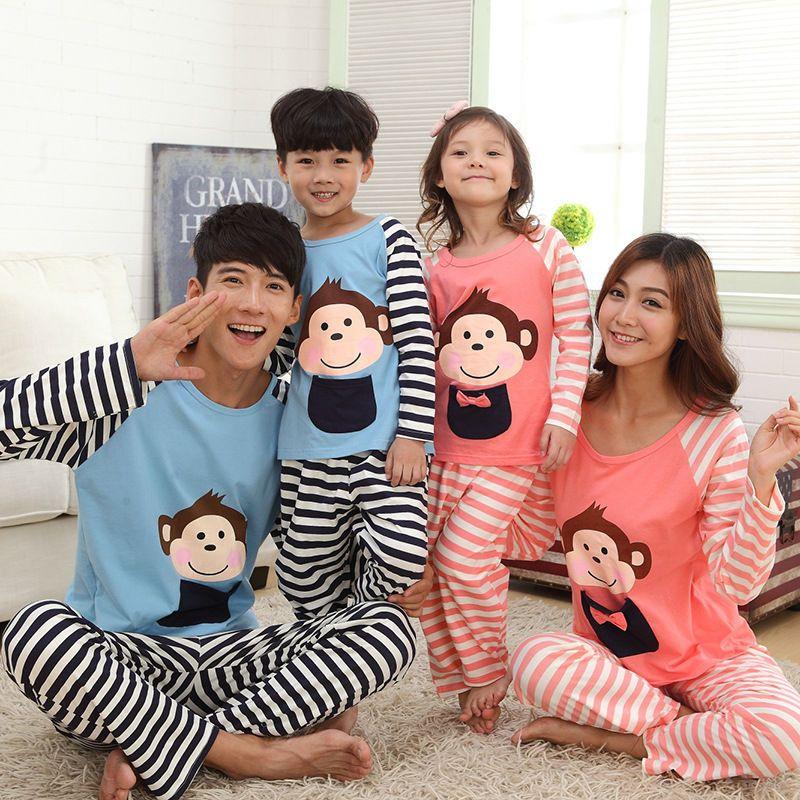 e2fc0153f7dc74 Cuando tu familia tiene Estilo   pijamas em 2019   Roupa de dormir ...