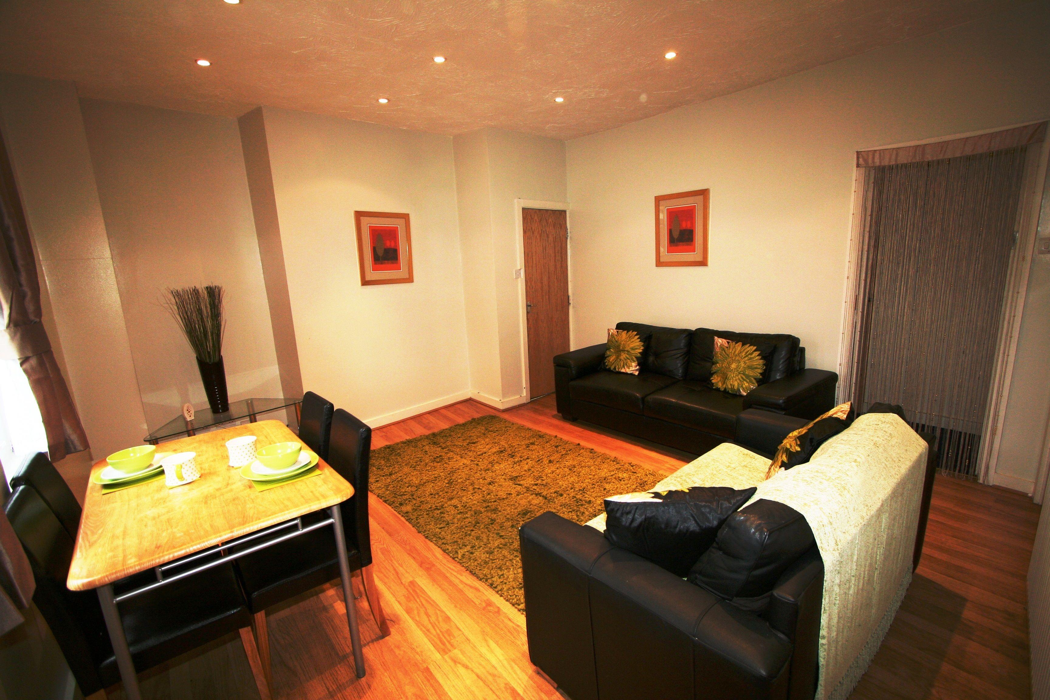 2 Monkbridge Terrace Living Space Student