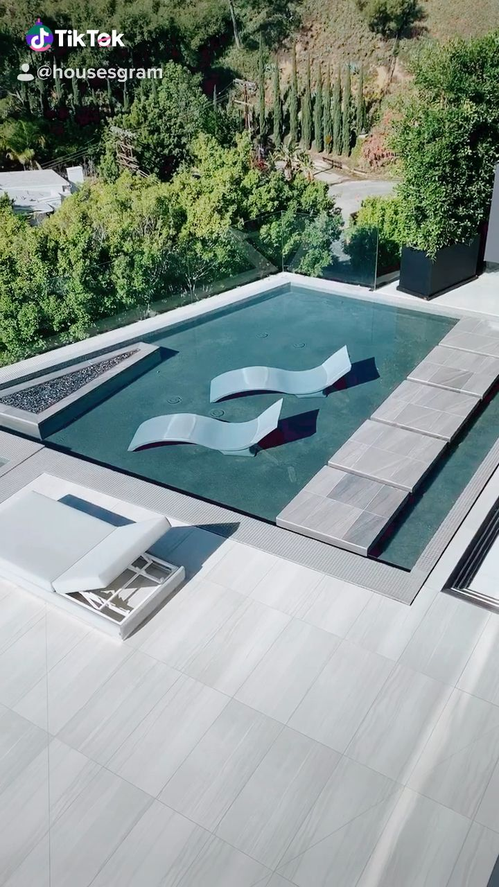 What do you think of this view? -   11 garden design Modern pool ideas