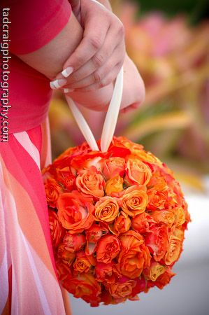Beautful wedding details @Darla Runge Kea Lani #originalweddingbouquet #bridemaidbouquet, #flowerballbouquet