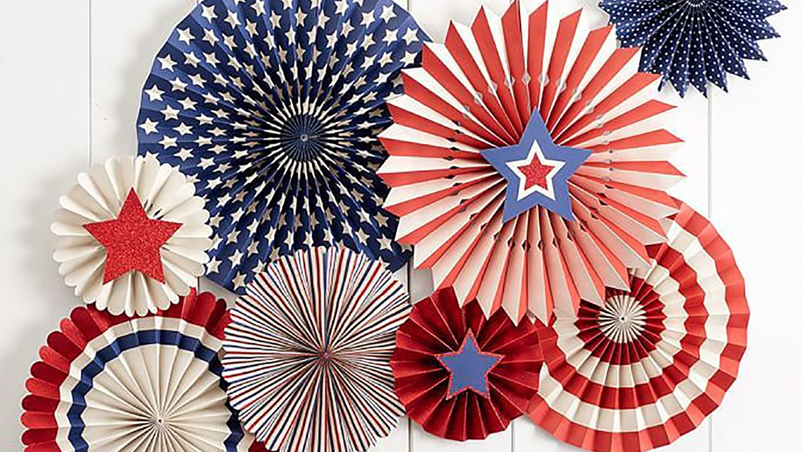 Tanger Outlets Pottery Barn Outlet Stars and Stripes Party Fans