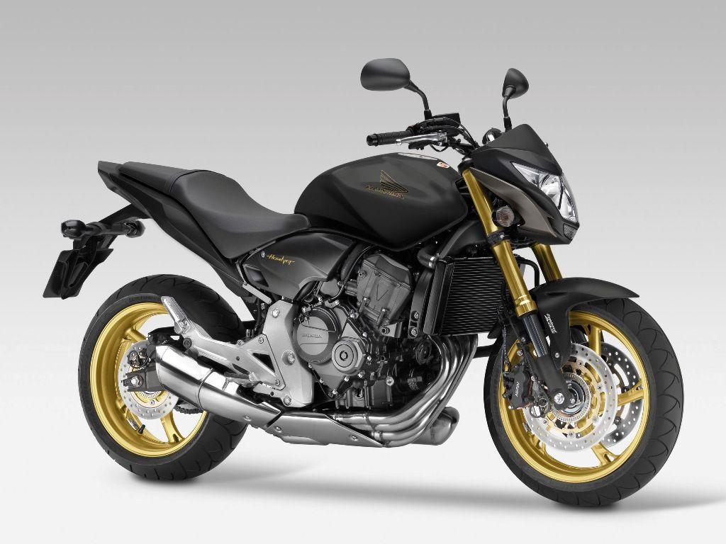 Neuer Look Fur Honda CB 1000 R Und Hornet Den Naked Bike Charakter Besonders Zur Geltung Bringt Jetzt Eine Neue Farbe Die