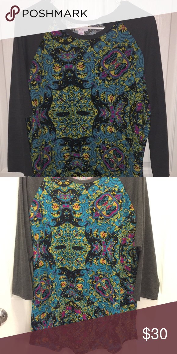 EUC!! Lularoe 2XL Randy EUC!! Only worn once and laundered according to instructions!! Such a pretty top and comfy too!! LuLaRoe Tops