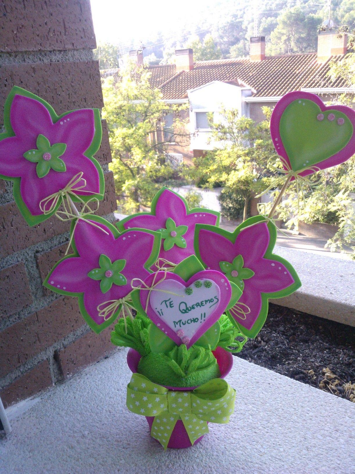 Maceta flores goma eva dia de la madre manualidades en - Flore de goma eva ...