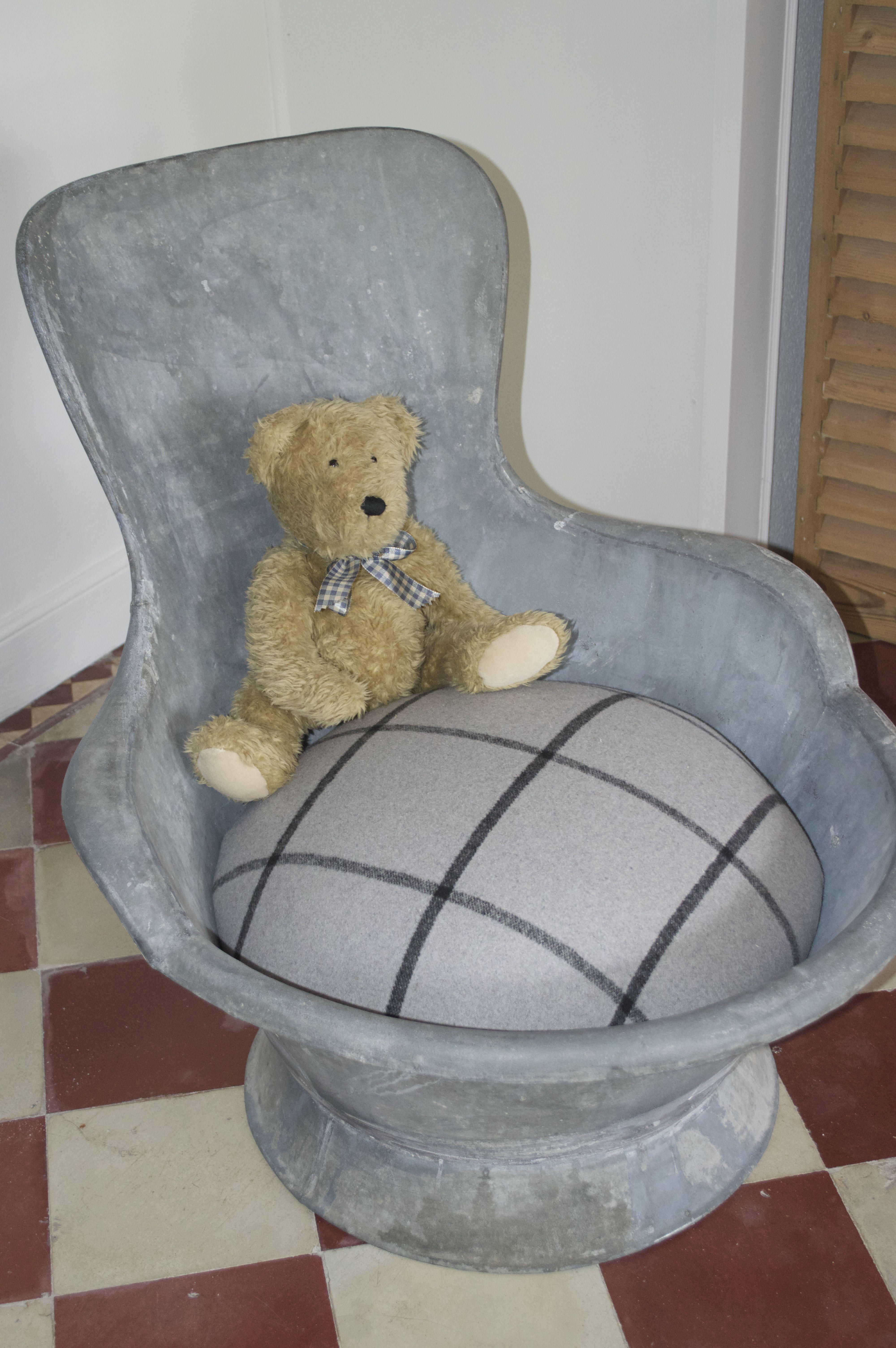 objet d tourn pour un nouvel usage le confort est garanti une fois assis on n 39 a plus envie. Black Bedroom Furniture Sets. Home Design Ideas