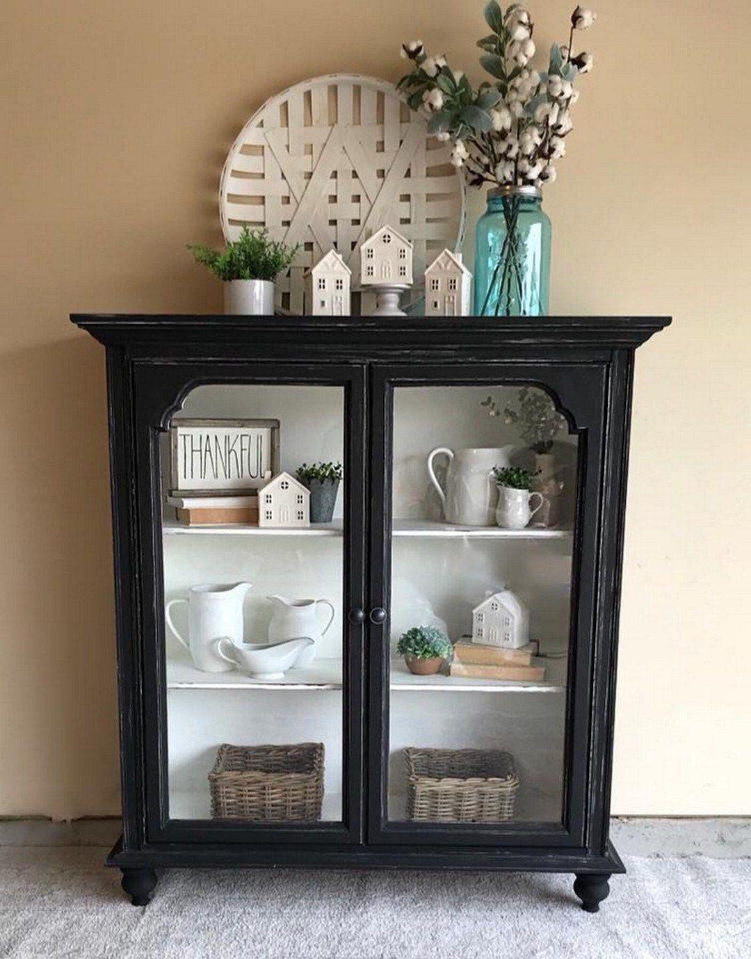 48 Diy Farmhouse Display Cabinet From Old Chest Of Drawers Farmhouse Room In 2020 Vitrinenschrank Schrank Dekor Mobelverschonerung