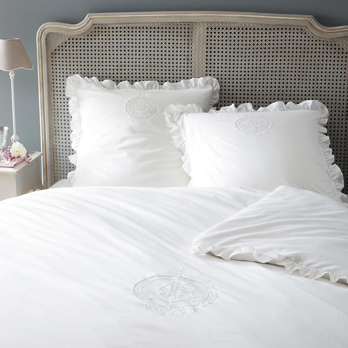 Parure housse de couette blanche 240x220 2 taies d 39 oreiller carpe diem deco en 2019 housse - Housse couette maison du monde ...