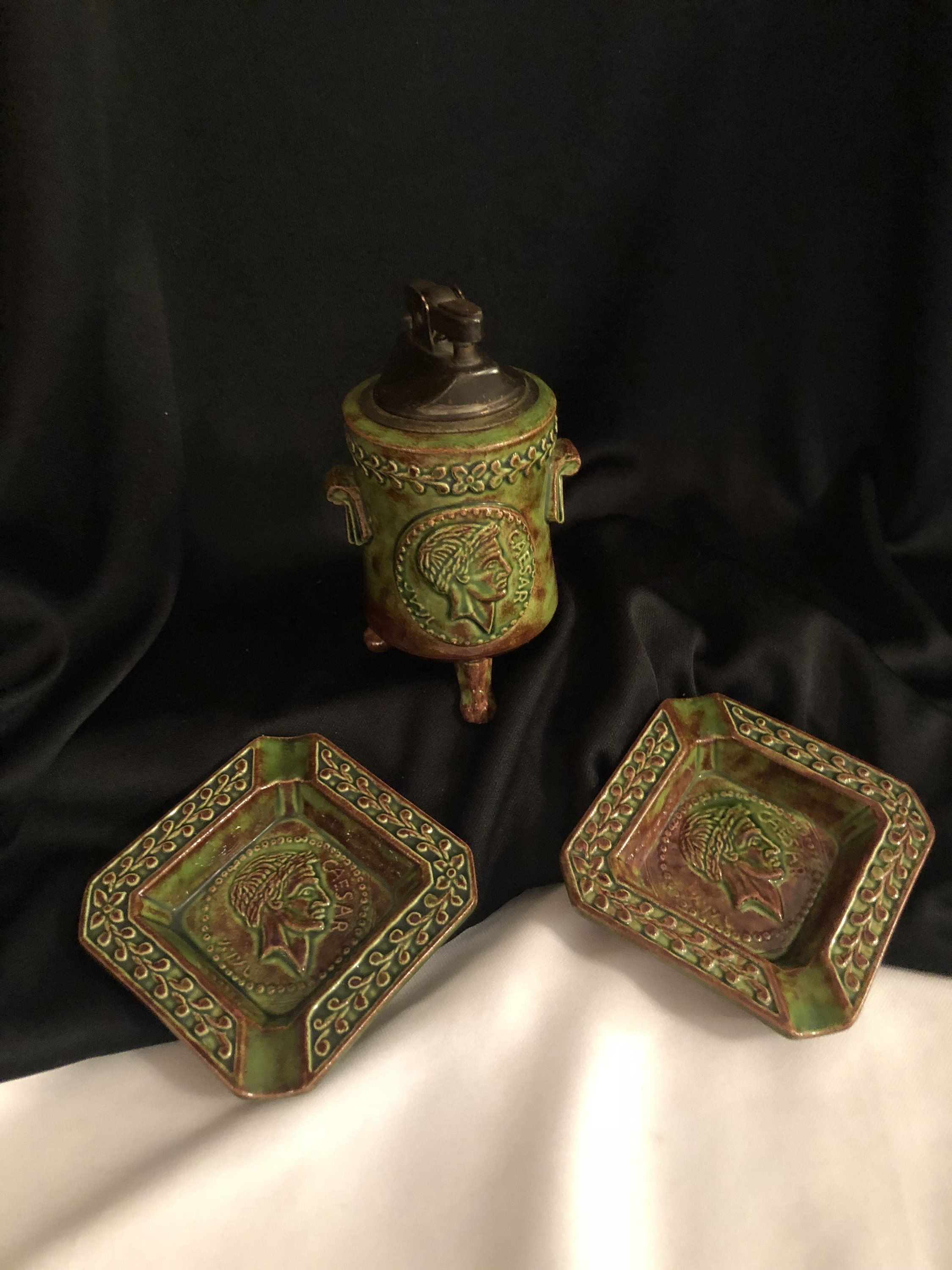 Vintage Ceramic Table Lighter with 2 Ashtrays with Caesar Profile by