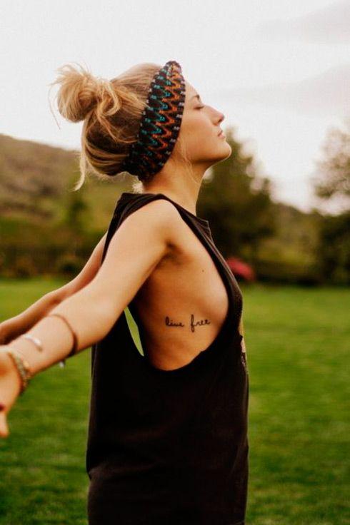Tatuajes Pequeños Mujer Costado Buscar Con Google Tattoos