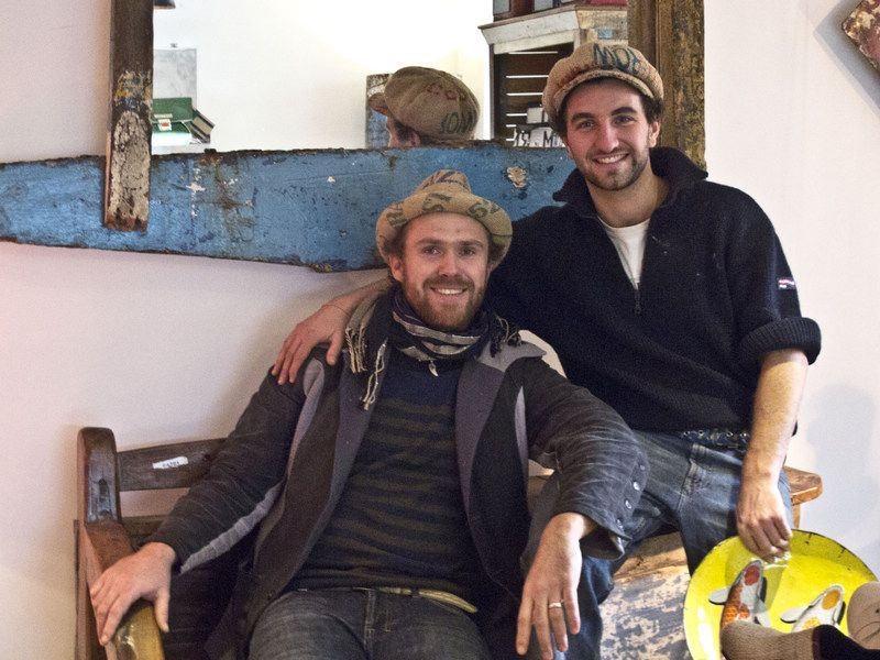 Upcycling Deluxe! Eric und Stani in unserem Laden