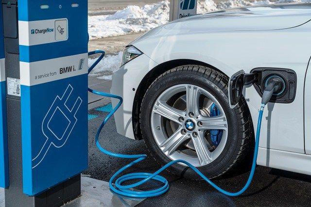Plant BMW eine elektrische Version des neuen 3er mit einer Reichweite von 500 km?