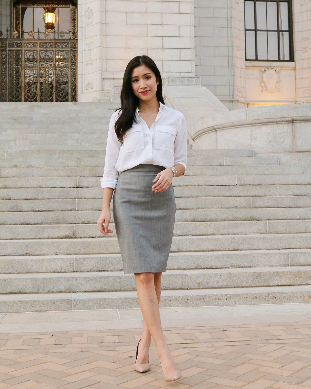 9d285703004fc3 Gray pencil skirt, white pocket blouse, nude heels White Skirt Outfits,  Grey Pants