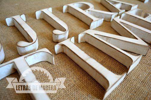 Letrero madera vintage tienda jjjr a time letras de - Casa letras madera ...