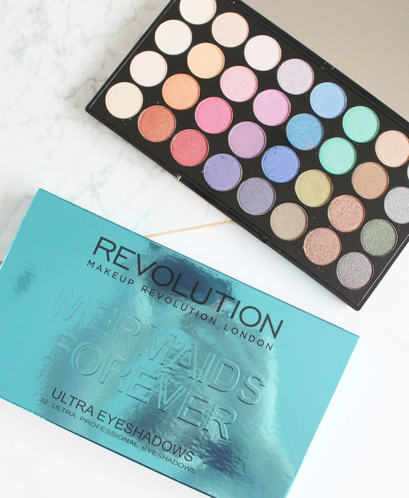 Makeup Revolution - Mermaids Forever 32 Ultra Professional Eyeshadow Palette