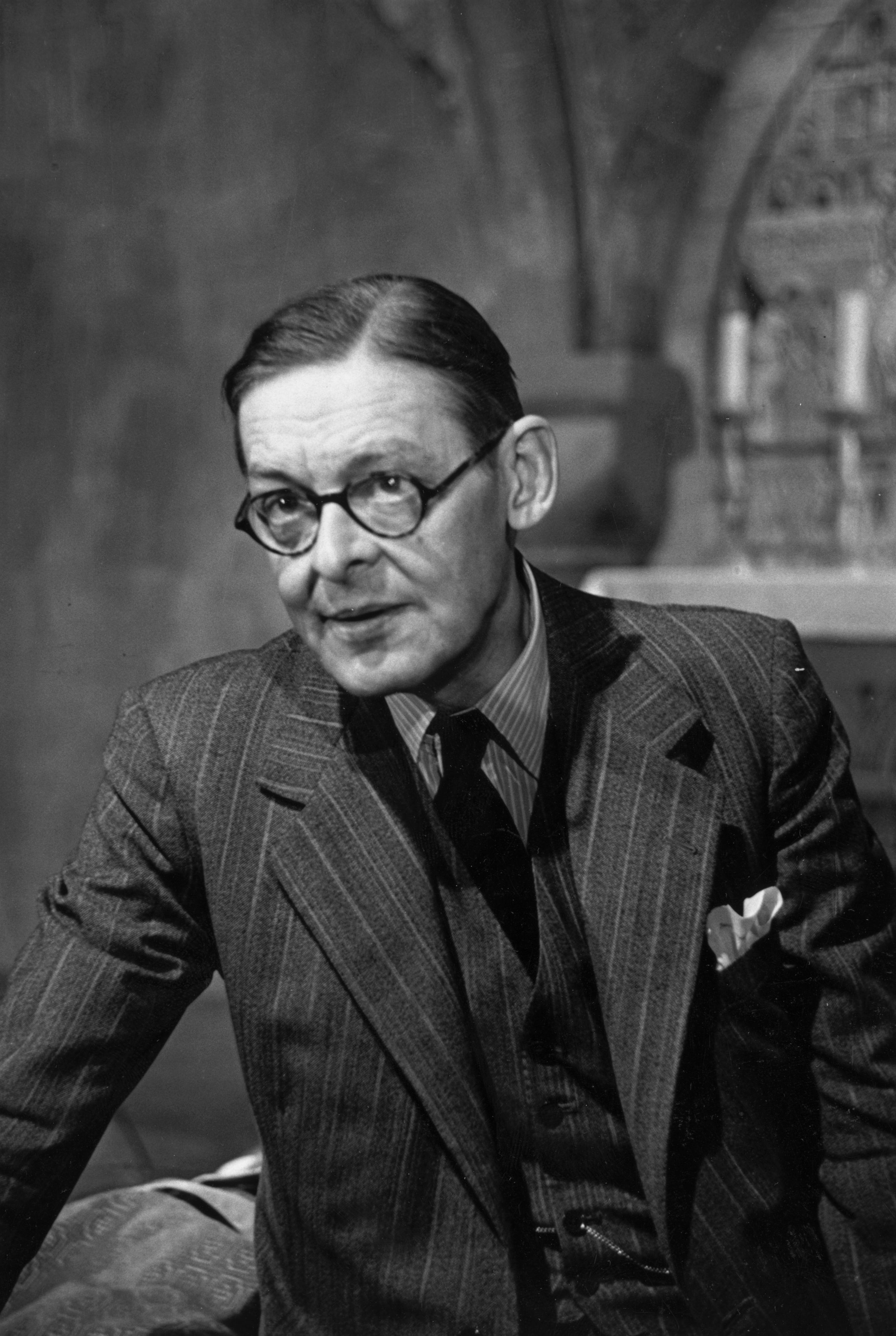 a biography of thomas stearns eliot a writer Poet, critic, and editor, was born thomas stearns eliot the criterion's editorial voice placed eliot at the center of london writing eliot t s eliot.