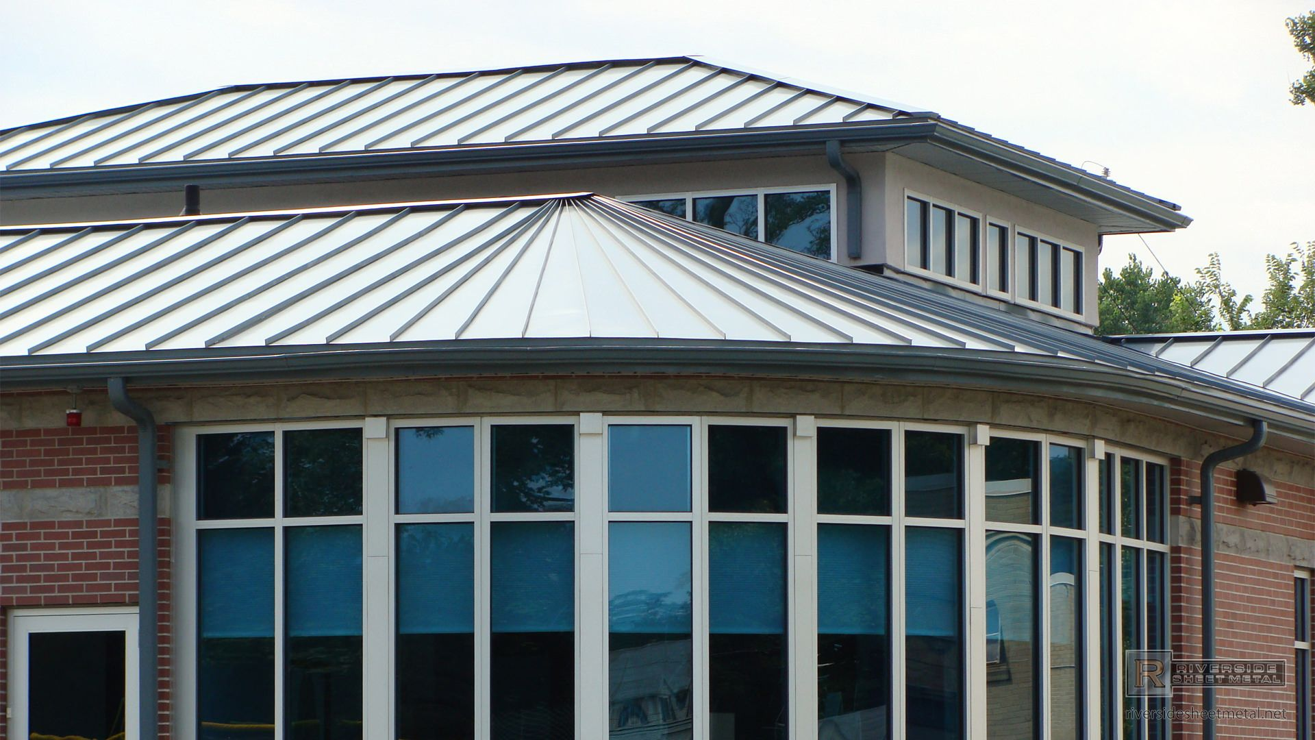 Triangular And Straight Zinc Panels Metal Roofing Metal Roof Roofing Aluminum Metal