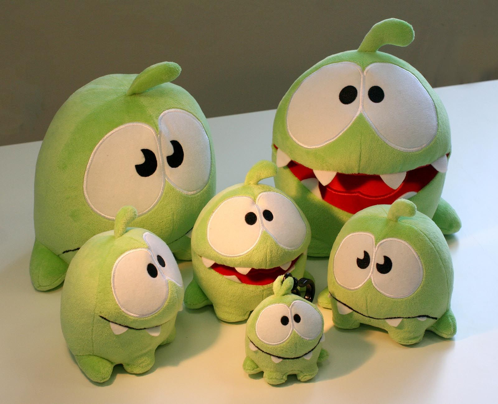 Cut The Rope Plush Toys: little Om Nom! Soooo cute! | Cuteness :D ...