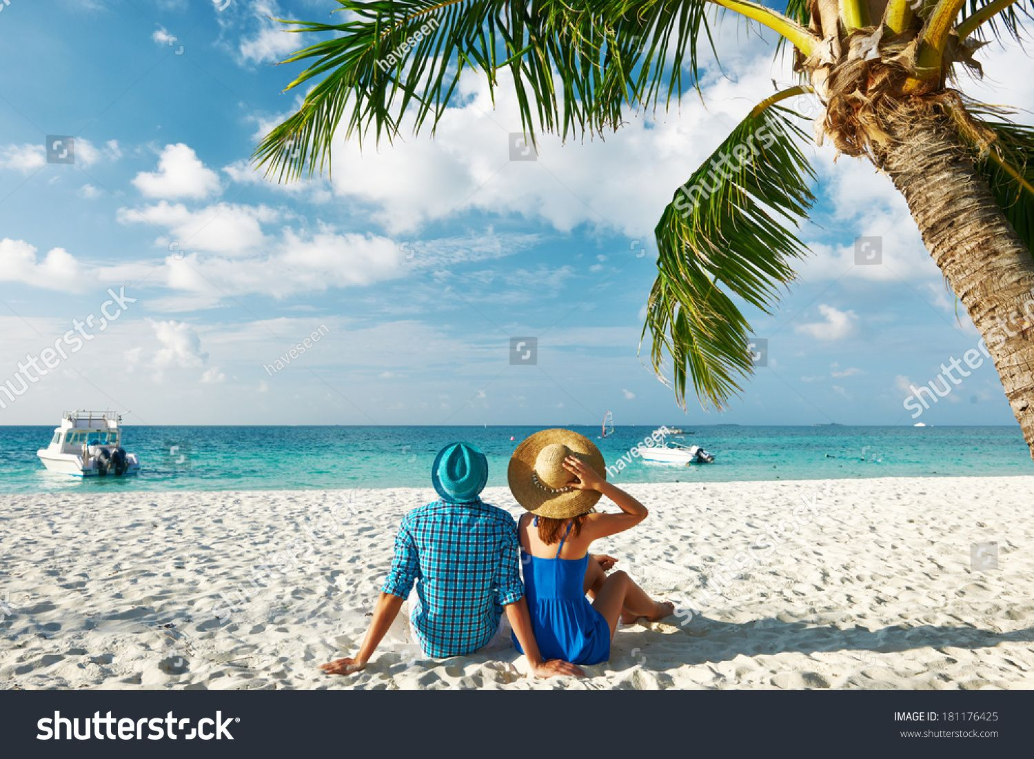 Couple in blue clothes on a tropical beach at Maldives #Ad , #affiliate, #clothes#blue#Couple#Maldives #beachhoneymoonclothes