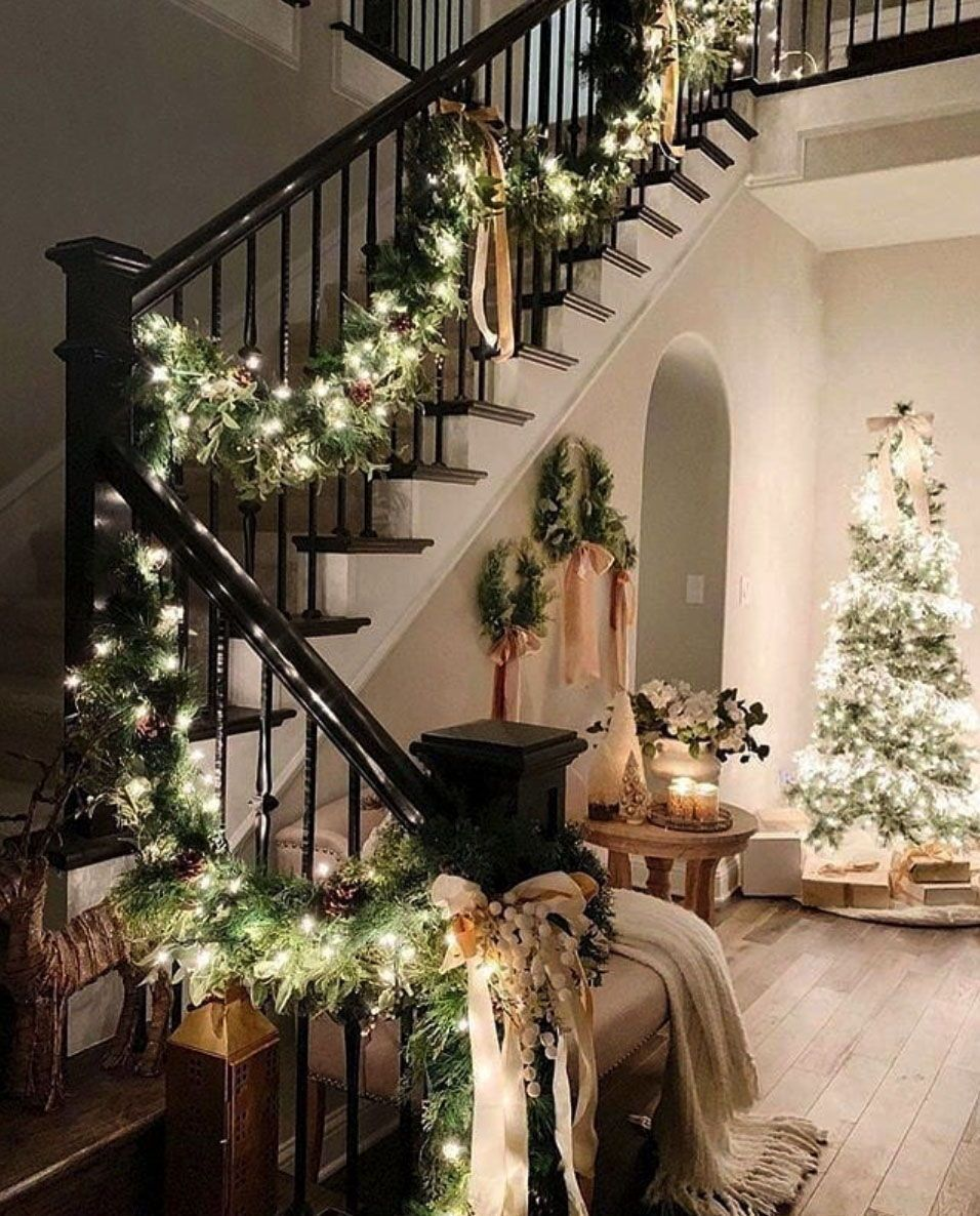 28 Gorgeous Ways to Decorate Your Home With Christmas Garland