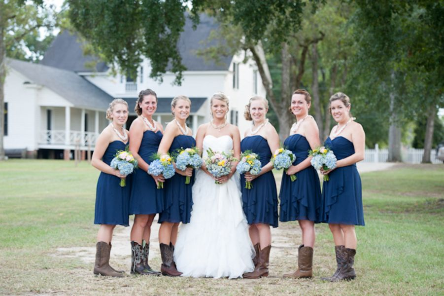 Rustic Country Southern Wedding | Country wedding dresses, Rustic ...