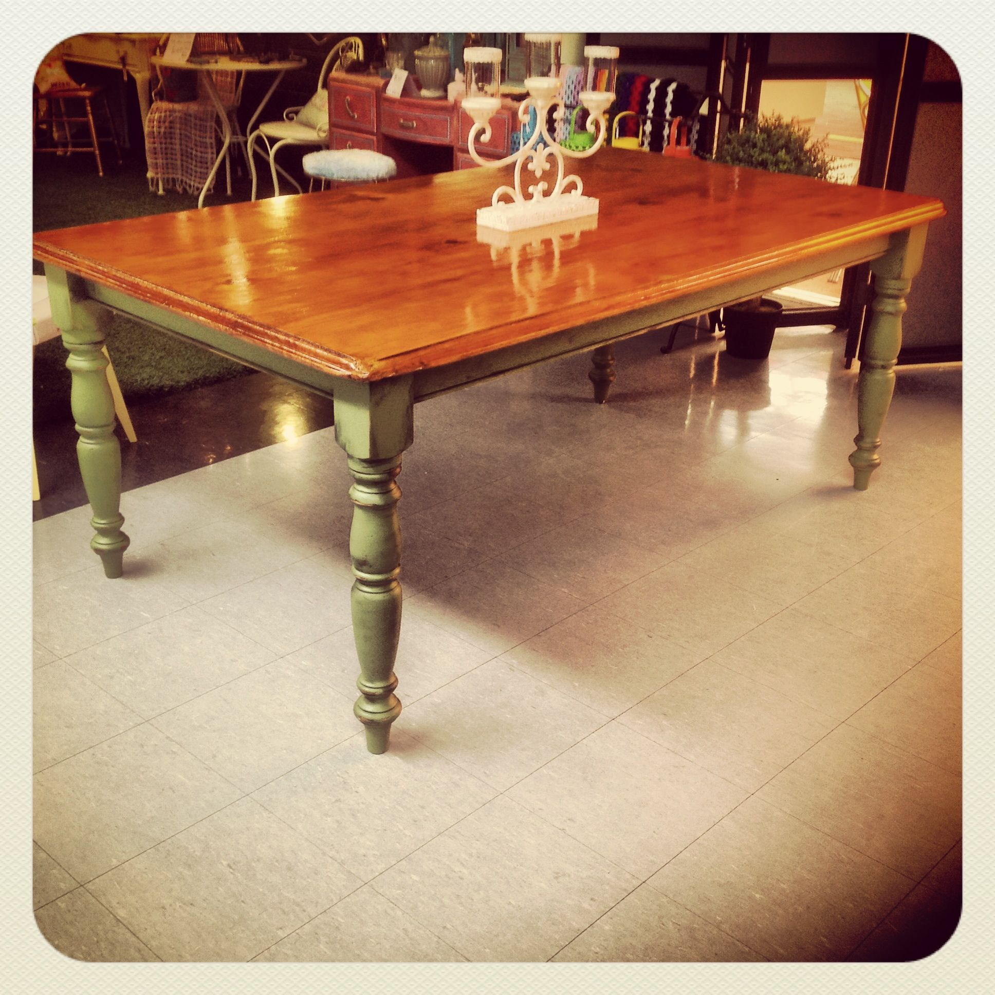Upcycled Dining Table Like The Aged Legs