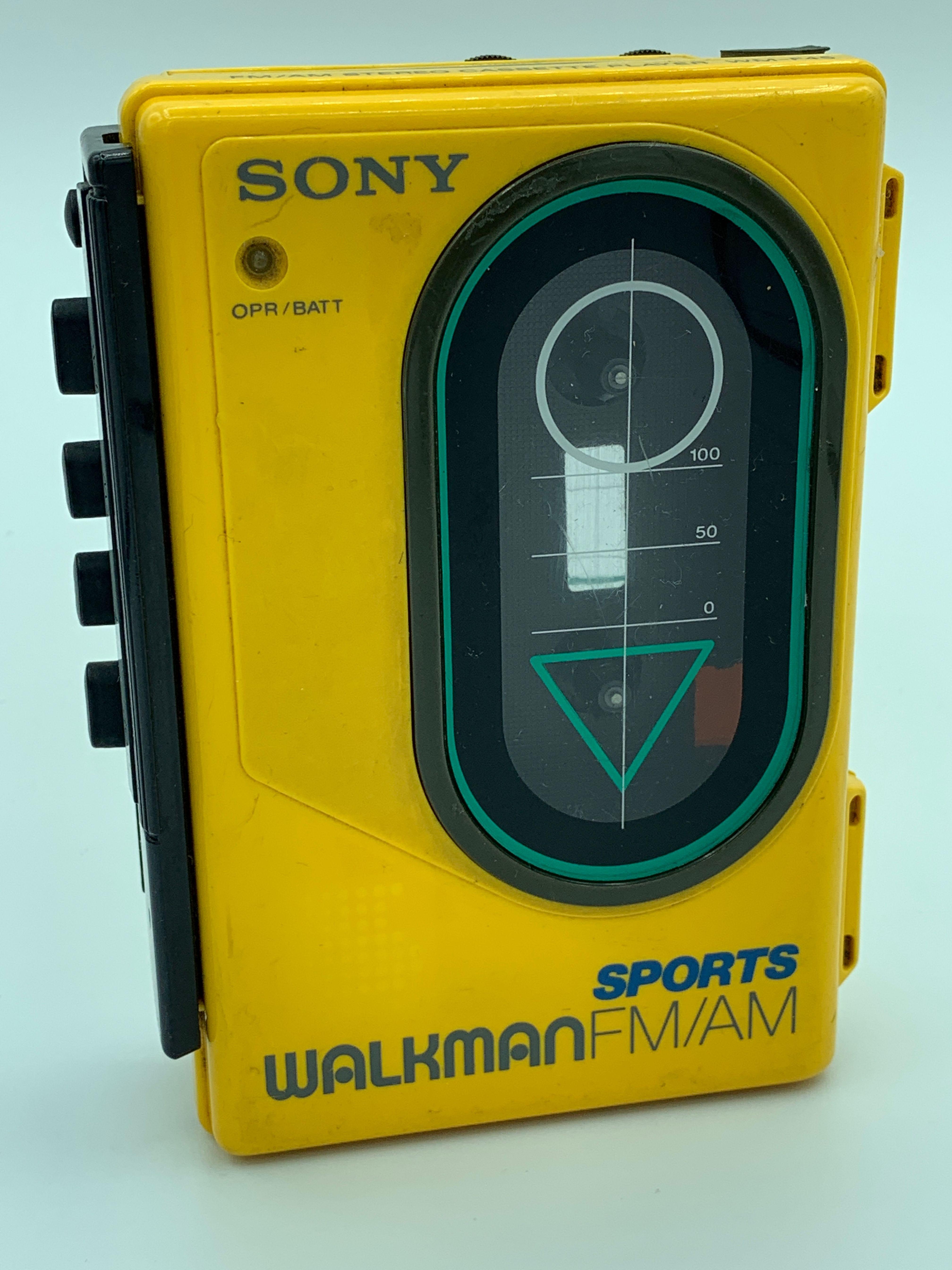 VINTAGE Sony Yellow Sports Walkman WMF45 FM/AM Radio
