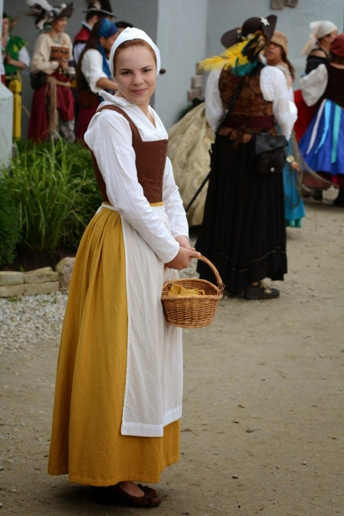 HSF#17: Yellow | The Girl with the Star-Spangled Heart: HSF#17: Yellow 16th Century English peasant