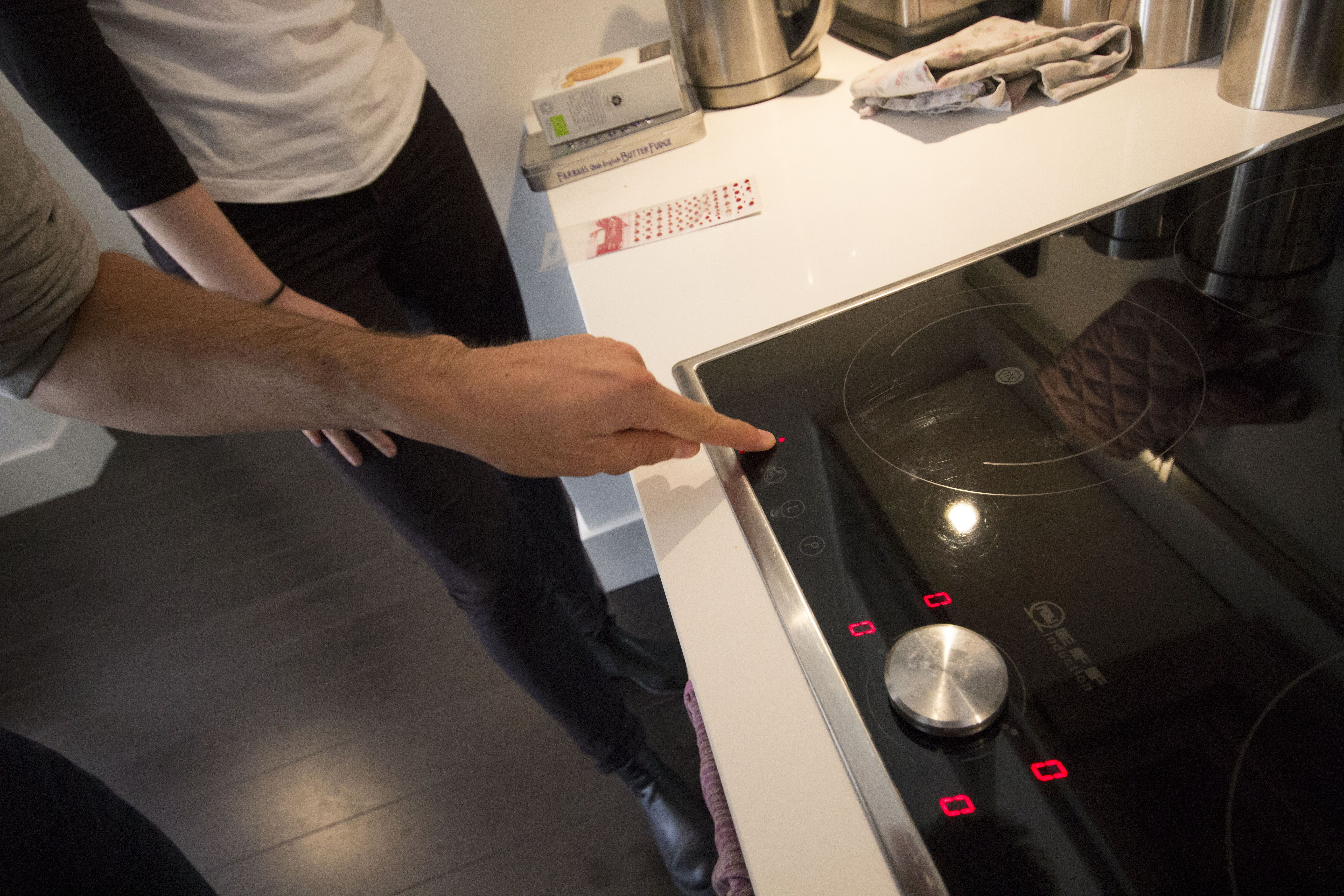 Trying out the raised sticker system on the convection hob