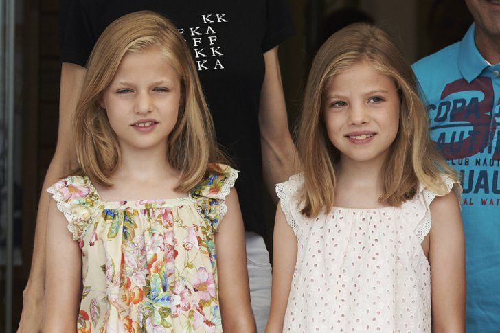 Pin for Later: The Best Photos of the Spanish Royal Family in 2015  The little princesses look like twins at the sailing event.