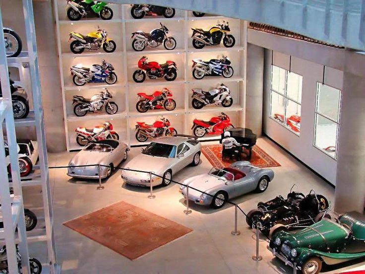 Cars, motors and greater motors at Hastings vintage display
