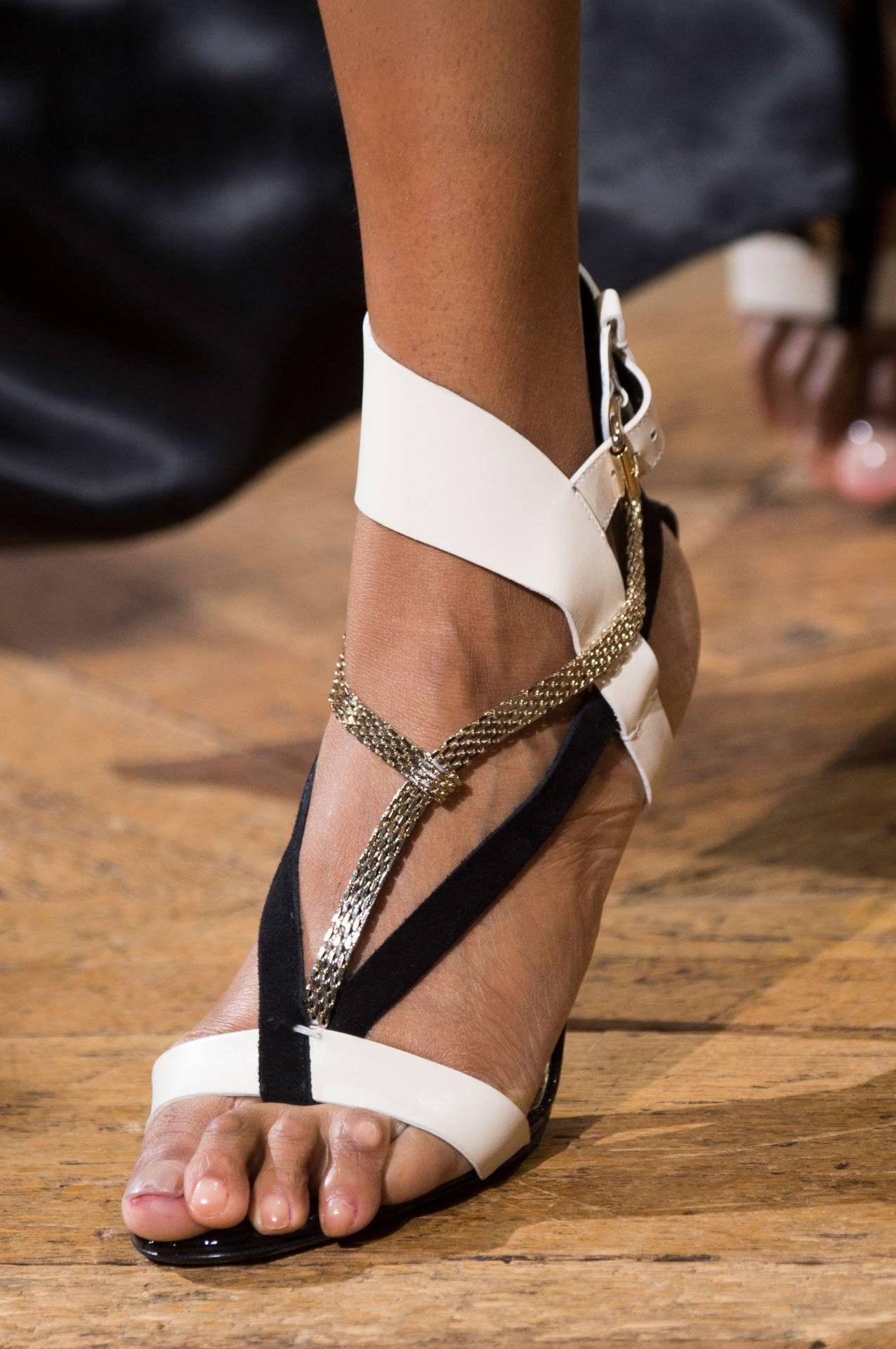64e7902a5ee Γυναικεία Παπούτσια, Μόδα Στο Παρίσι, Lanvin, Καλά Παπούτσια, Πασαρέλα,  Τάσεις,