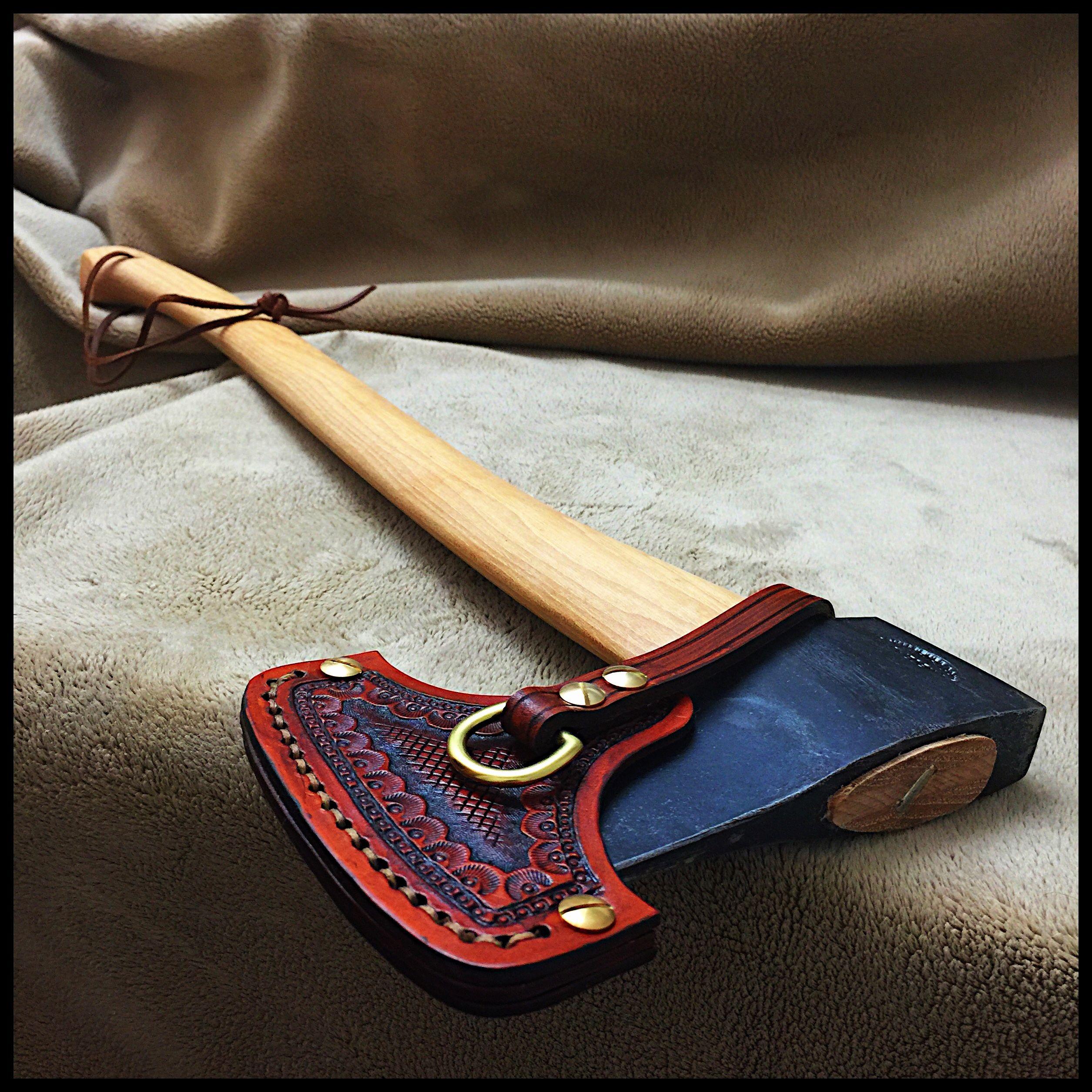 Gransfors Bruks Scandinavian Forest Axe 430 With Custom Leather Sheath By John Black Machado Medievais Machado