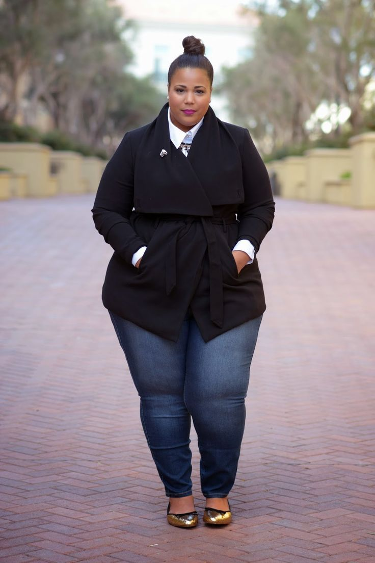 The design of plus size jeans is such that it accentuates the ...