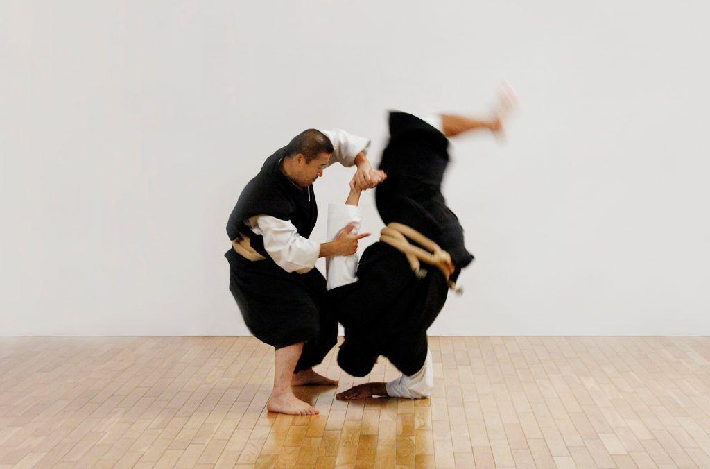 えっ 少林寺拳法 って日本の武術だったの 少林拳や空手との違いを解説 和樂web 日本文化の入り口マガジン 武術 嵩山少林寺 武道