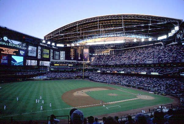 Chase Field, home of Arizona Diamondbacks Phoenix, AZ  http://www.kenbondy.com/images/Baseball/arizona1.jpg