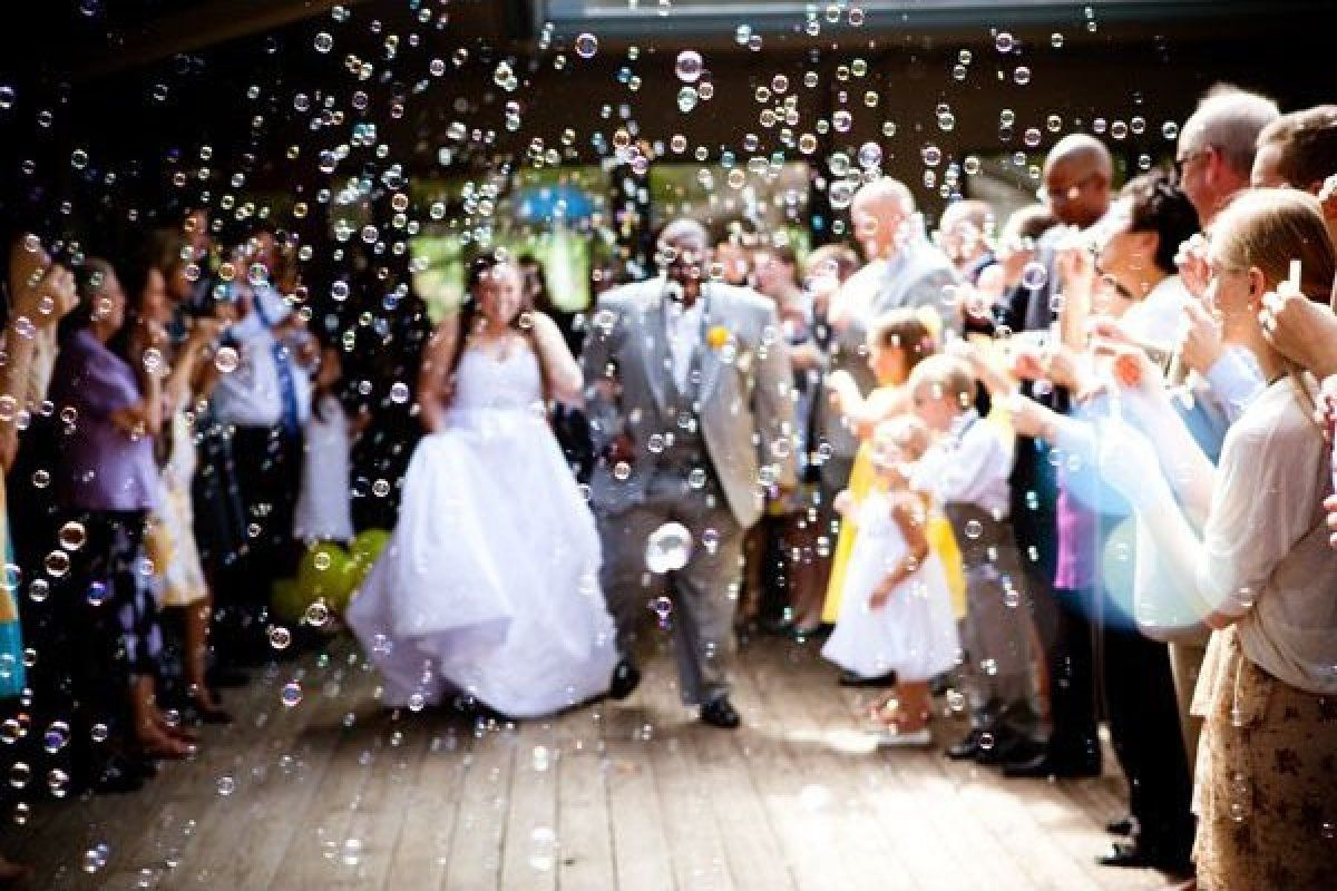 Have Your Guests Blow Bubbles As You Leave The Ceremony Photo Credit Poem84