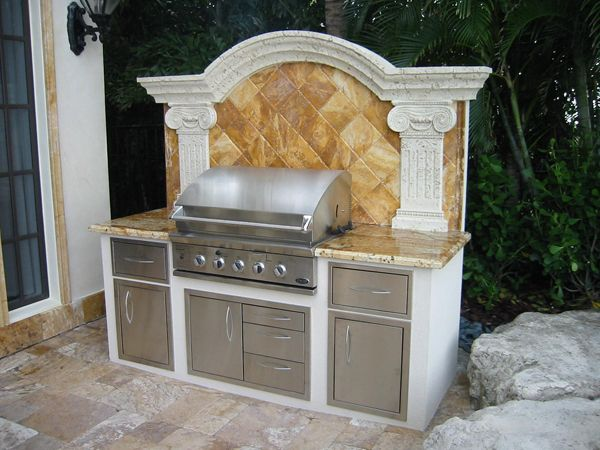 Dcs 36 Built In Barbecue Grill In Miami Florida Persian Gold Marble Backsplash Giall Outdoor Kitchen Grill Outdoor Kitchen Cabinets Small Outdoor Kitchens