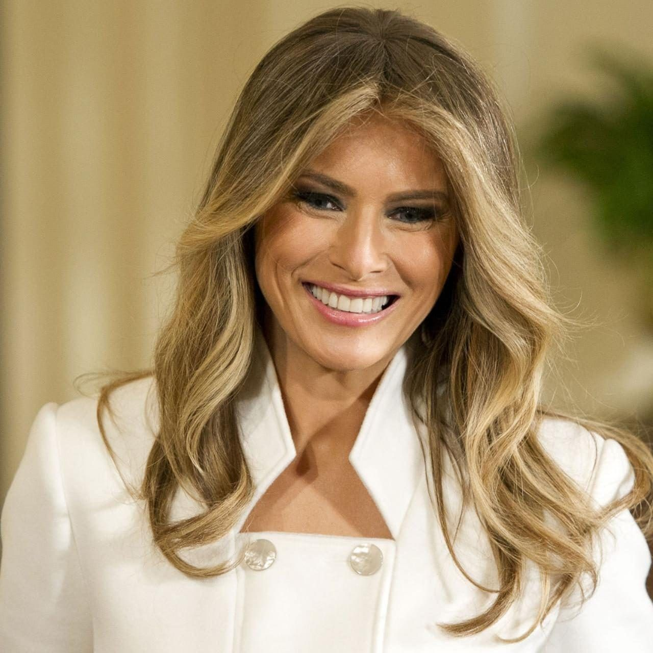 Melania Trump S Best Hairstyles And Beauty Looks During The 2020 Election Campaign Trump Hair Hair Styles Milania Trump Style