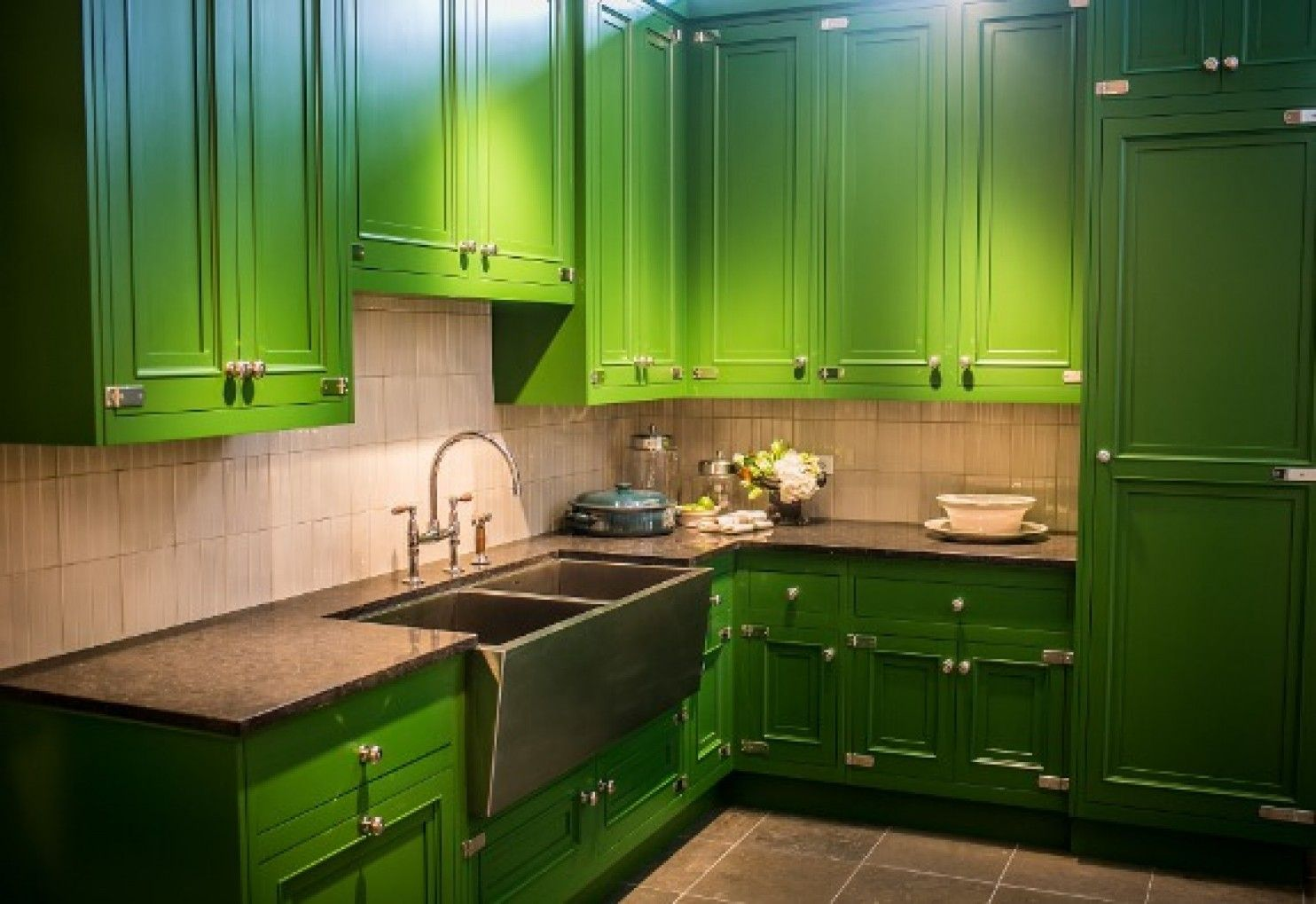 What's new in kitchens   Classic kitchen cabinets, Kitchen ...