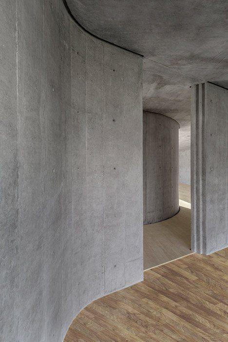 Concrete House P In Mexico By Cherem Concrete Architecture Concrete Walls Interior Concrete Interiors