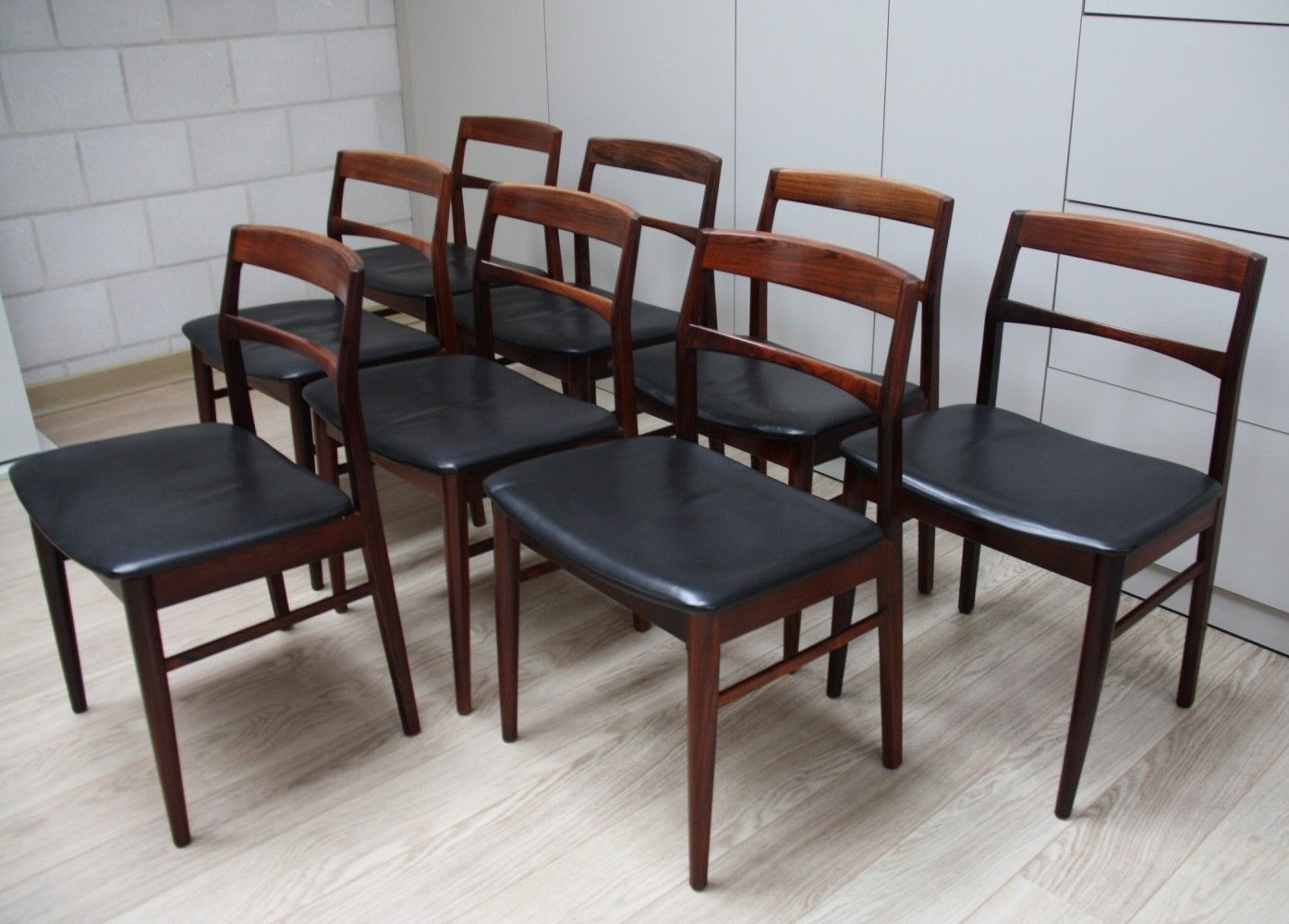 For Sale Set Of 8 Dining Chairs In Rosewood Black Leather By Vejle Stolefabrik Denmark 1960 S Dining Chairs Chair Dining Room Chairs Modern Set of 8 dining chairs