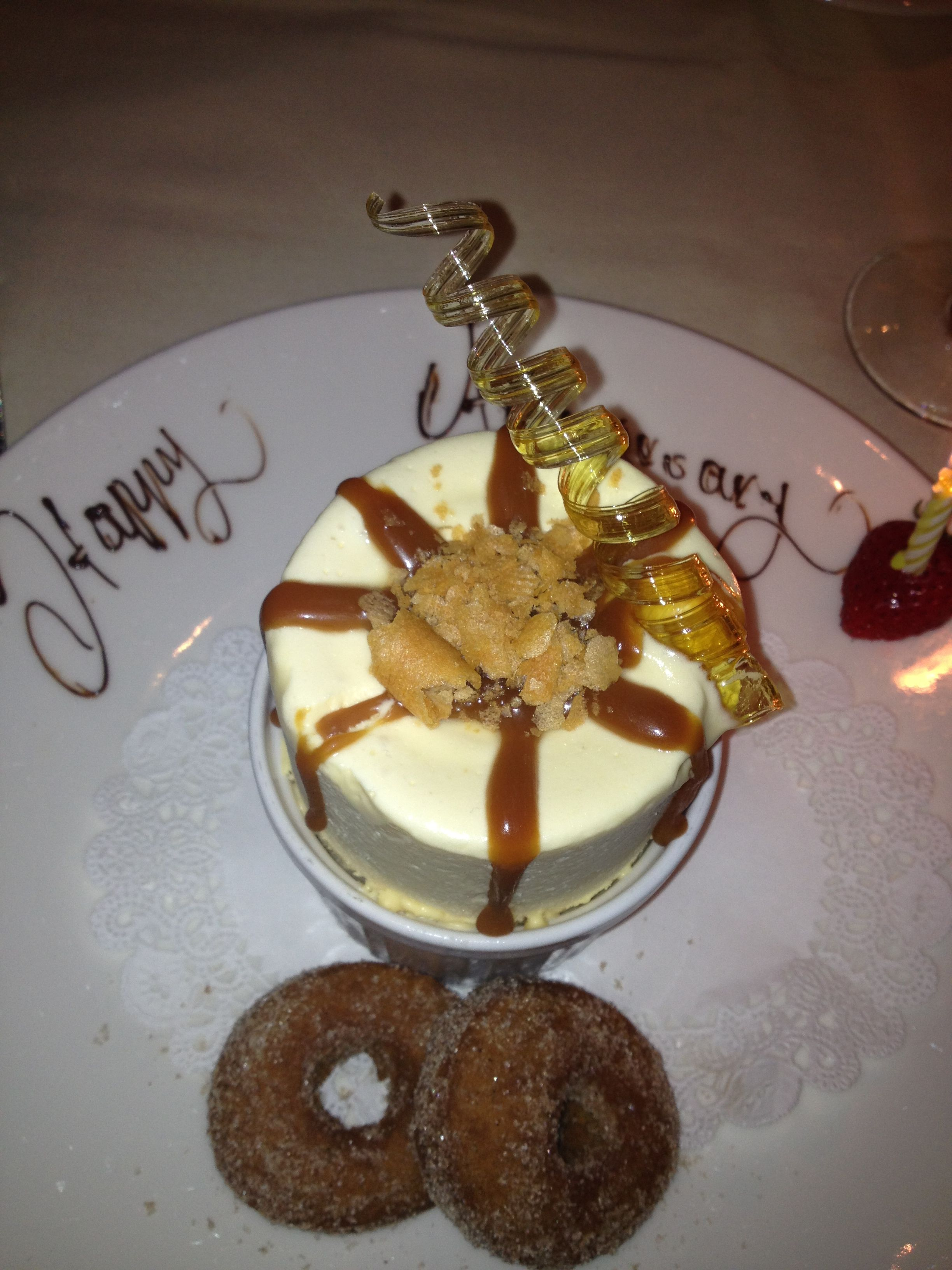 Frozen Caramel Souffle X20 Yonkers Ny Peter Kelly Is The Nicest Most Talented Chef We Enjoy A Large Holiday Gathering Here Eve Food Crawl Food Desserts