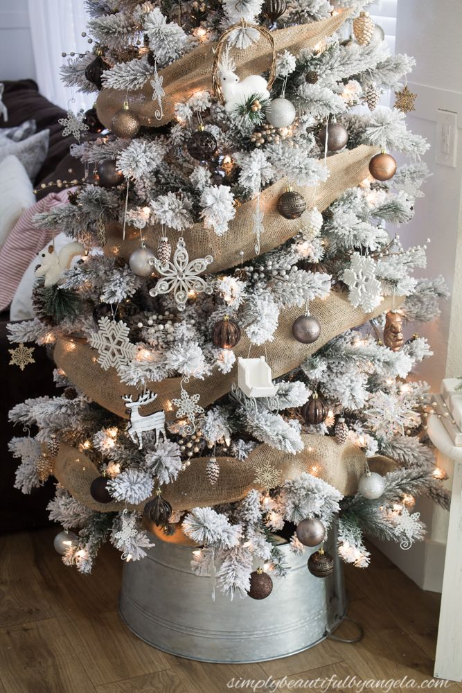 Winter Woodland Christmas Tree | Simply Beautiful