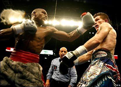 Floyd Mayweather Vs Ricky Hatton Sport Boxing Bbc Sport Martial Arts