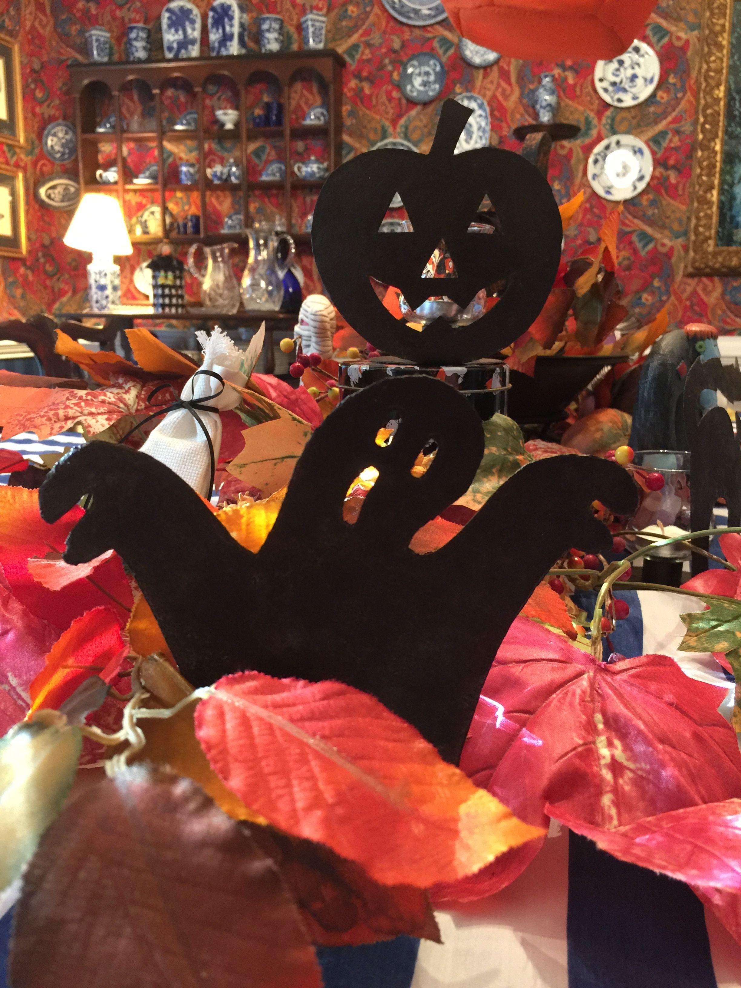 Halloween fun on the table!!! Halloween fun, Fall