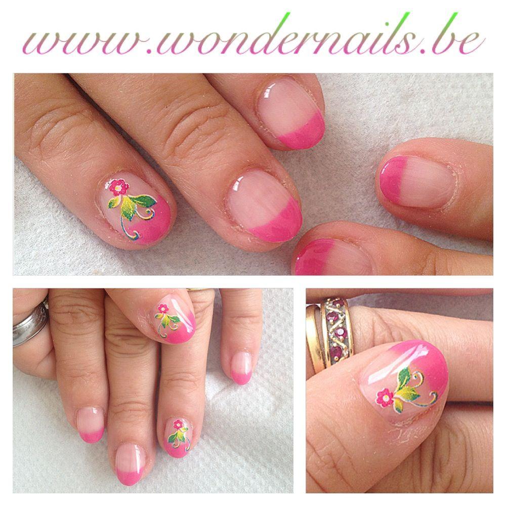 Great accentnails... Floral