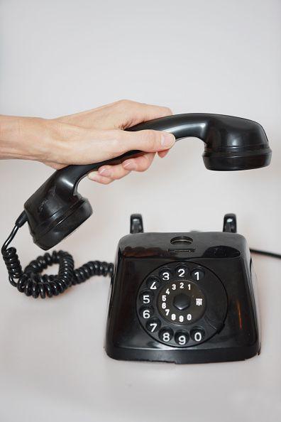 Altes Schwarzes Telefon Mit Waehlscheibe Aus Bakelite Wandtelefon