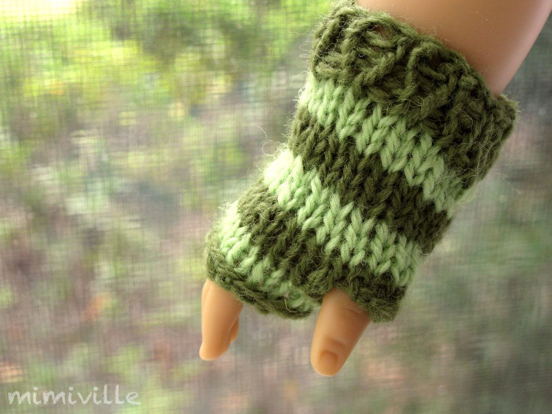Clover; a pair of striped gloves {by mimiville on etsy}