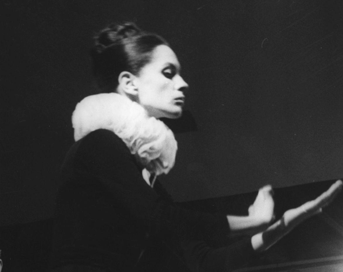 Irina Petrescu in Elisabeta I